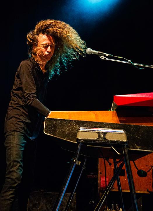 Lars Boutrup på orgel og keyboards