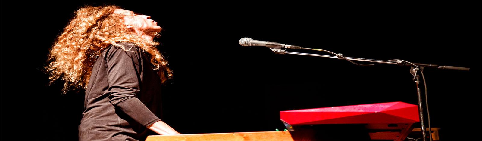 Lars Boutrup på Keyboards og orgel